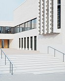 Gymnasium mit Sporthalle und Jugendhaus, Frankfurt Riedberg